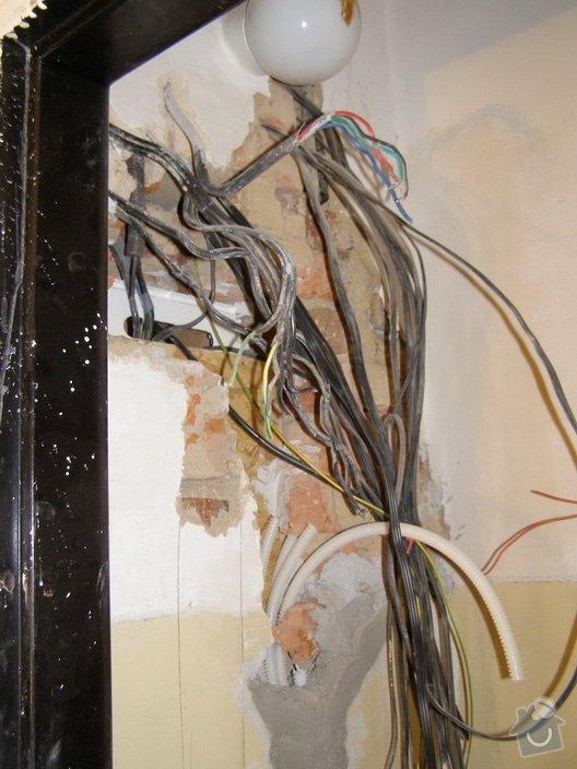 Rekonstrukce a přestavba bytu 3+1: PB220027