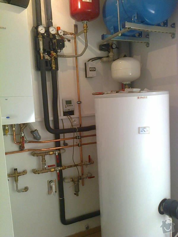 Podlahové vytápění, rozvody TZB, solární ohřev TUV: Fotografie0156
