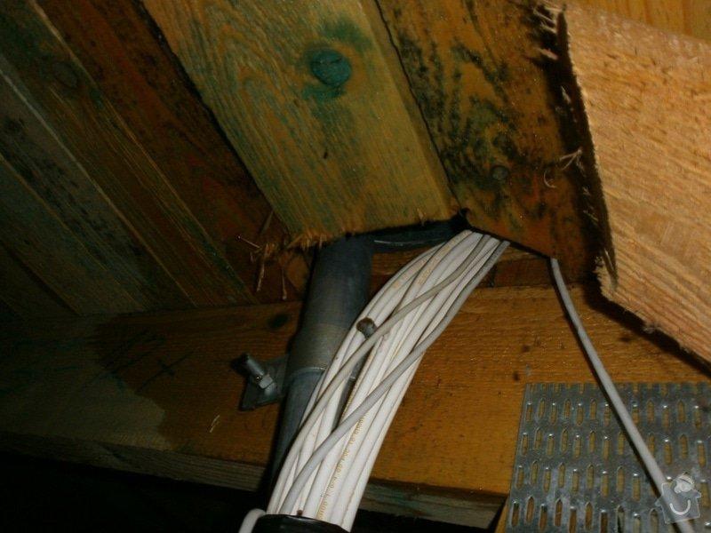 Oprava střechy bytového domu: P2240332