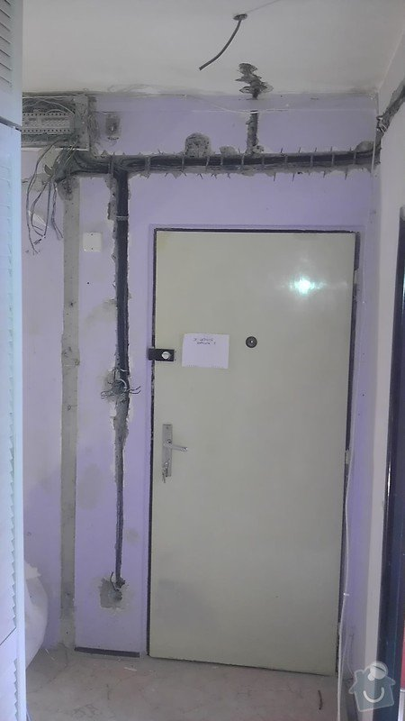 Rekonstrukce staré elektroinstalace (2 pokoje + chodba): IMAG1300