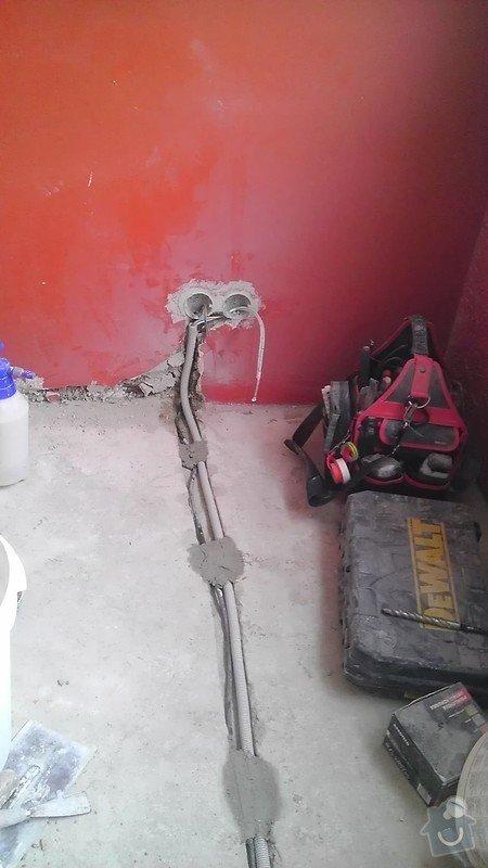 Rekonstrukce staré elektroinstalace (2 pokoje + chodba): IMAG1325