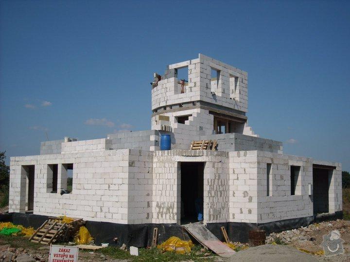 Dokončení hrubé stavby RD: 75623_142944535755095_1897728_n
