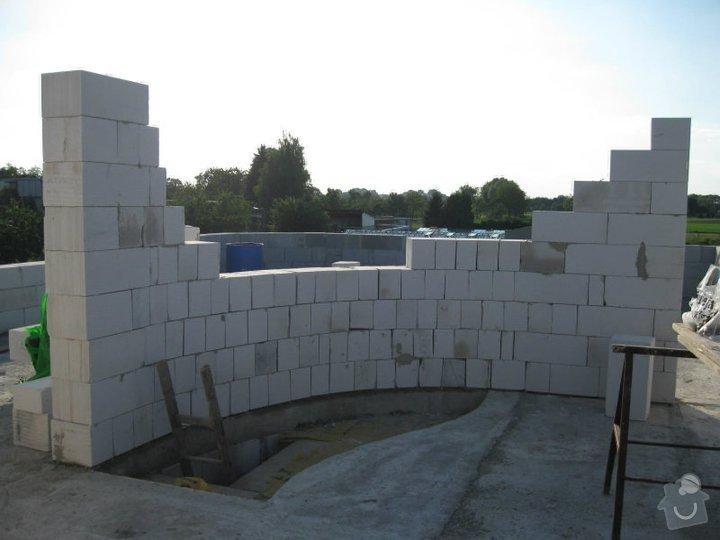 Dokončení hrubé stavby RD: 155431_142095399173342_3532993_n