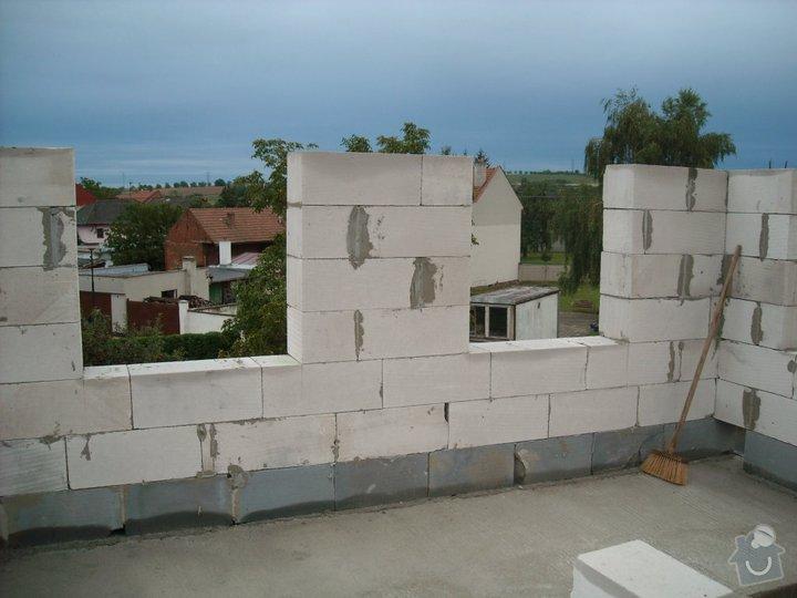 Dokončení hrubé stavby RD: 155653_142944555755093_346998_n