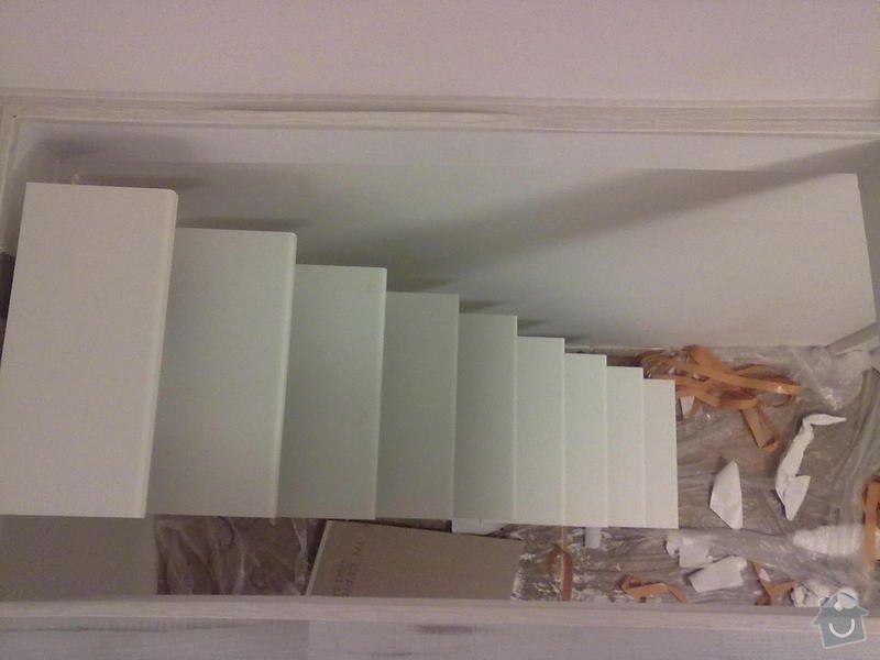 Patro na spaní, schody,osvětlení,zábradlí,podlaha.: a_191