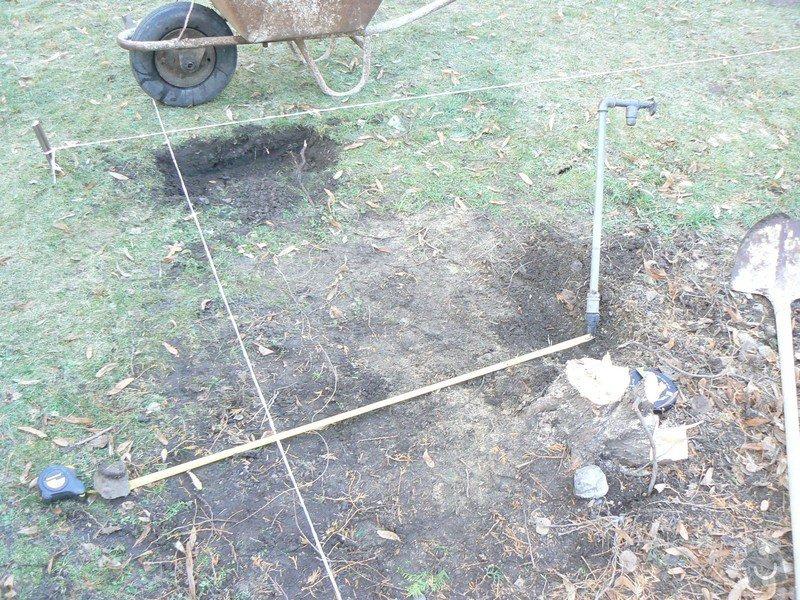 Přeložka sezoni vody na zahradě: P1090472