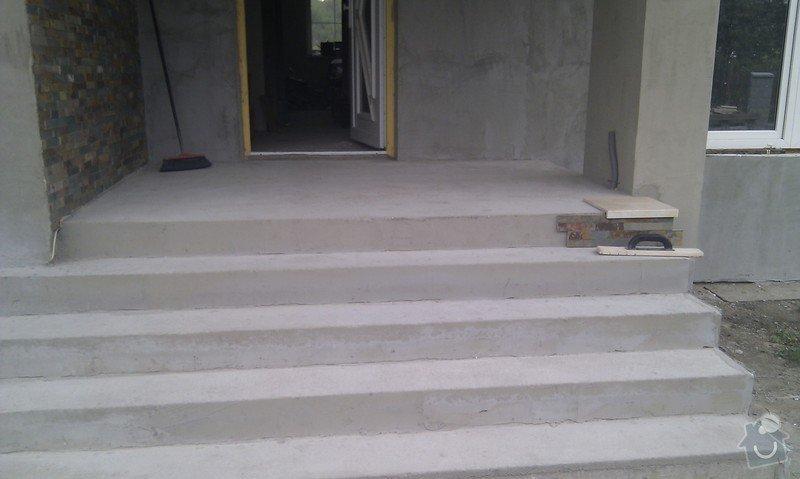 Obložení venkovného schodiště, sloupku a zdi.: IMAG0483
