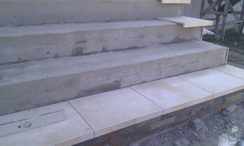 Obložení venkovného schodiště, sloupku a zdi.: IMAG0491
