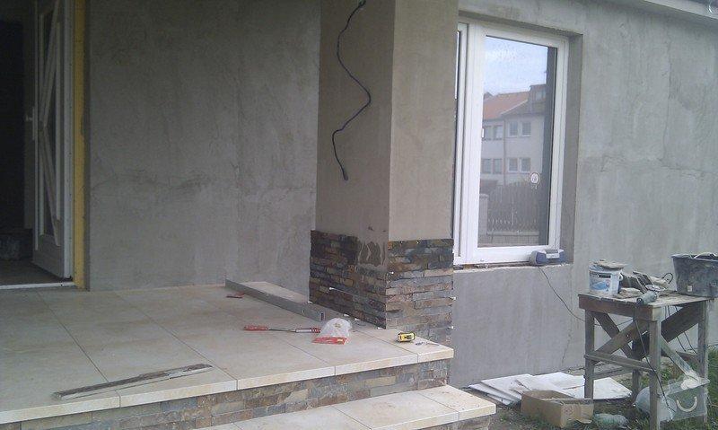 Obložení venkovného schodiště, sloupku a zdi.: IMAG0496
