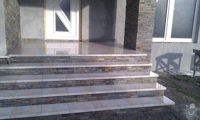 Obložení venkovného schodiště, sloupku a zdi.: IMAG0497