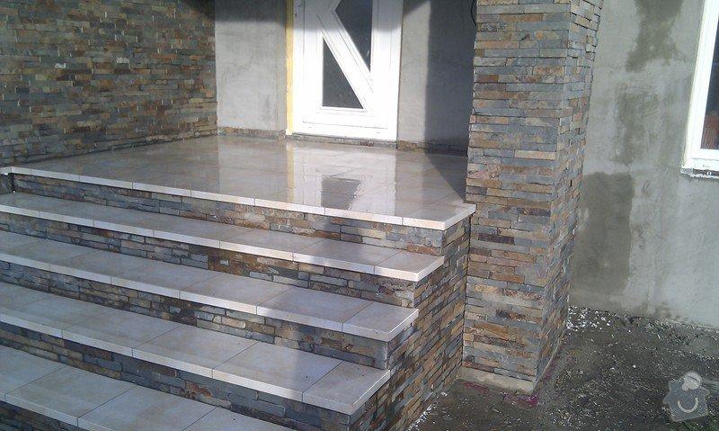 Obložení venkovného schodiště, sloupku a zdi.: IMAG0498