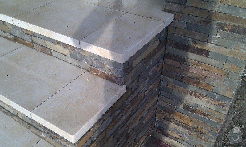 Obložení venkovného schodiště, sloupku a zdi.: IMAG0499