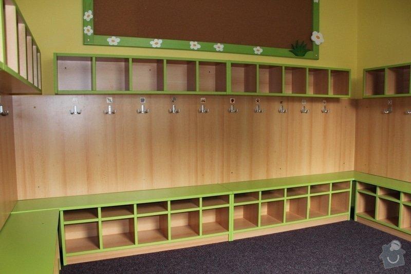 Návrh a realizace obložení a vybavení nábytkem chodby MŠ: IMG_3230