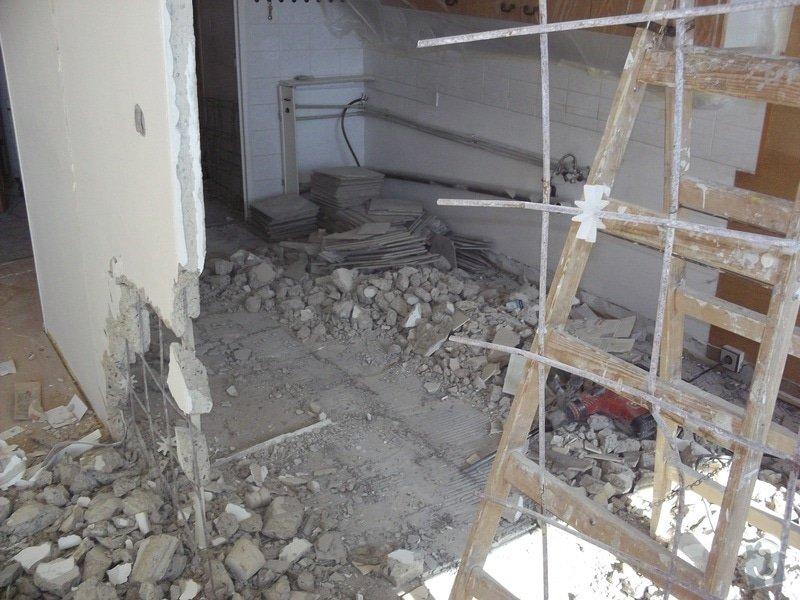Bourací + stavební práce v panelovem bytě : 100_1045
