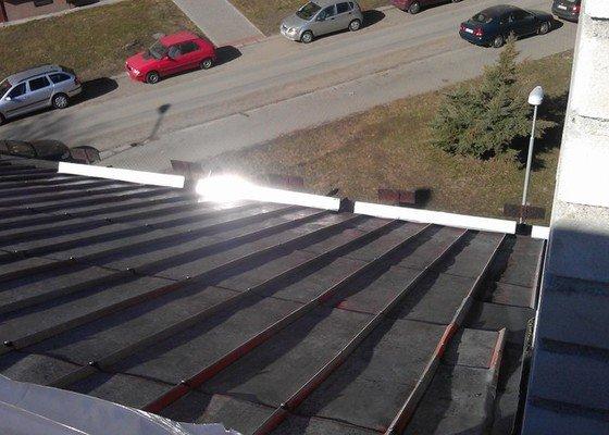 Nátěr a oprava plechové střechy