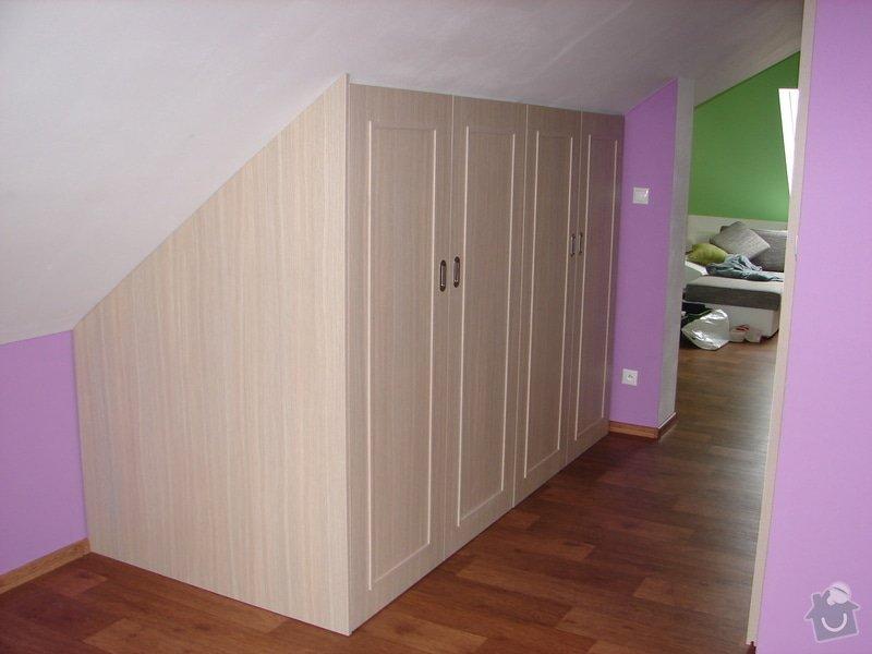 Vybavení ložnice včetně posuvných dveří : DSC03214
