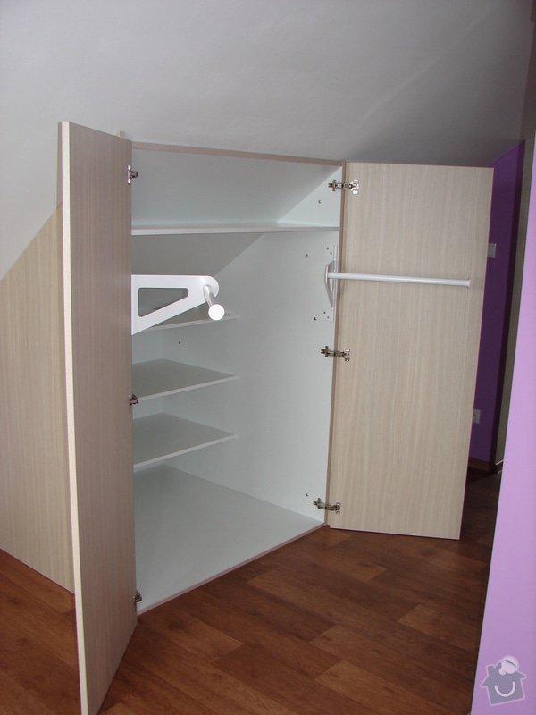 Vybavení ložnice včetně posuvných dveří : DSC03218