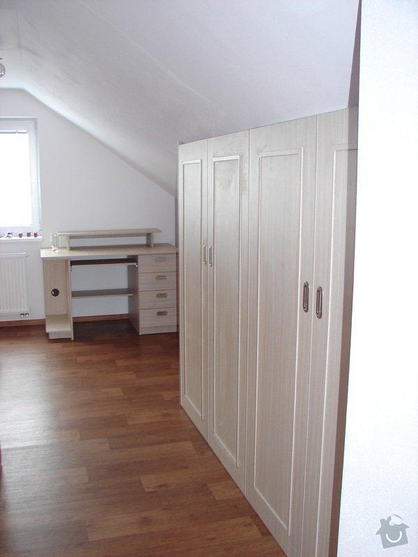 Vybavení ložnice včetně posuvných dveří : DSC03219