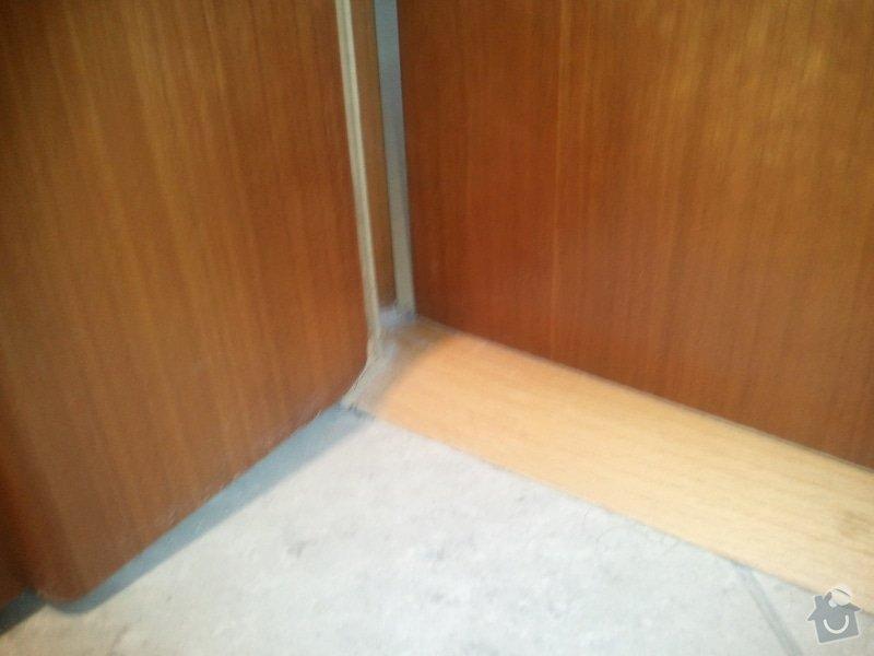 Oprava interiérových dveří (případně zavěšení): 20130313_093849