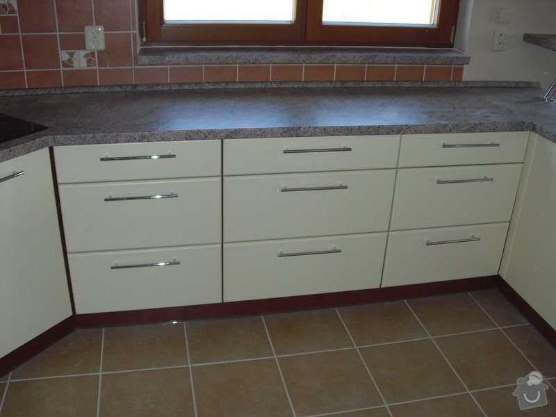 Výroba kuchyňské linky: CIMG0484