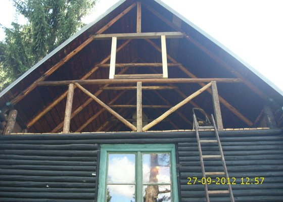 Rekonstrukce chaty v lesní osadě