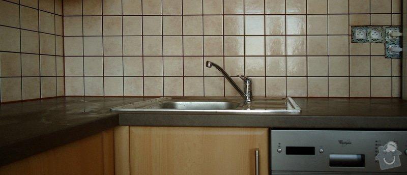 Obklad mezi kuchyňskou  linkou: DSC02114