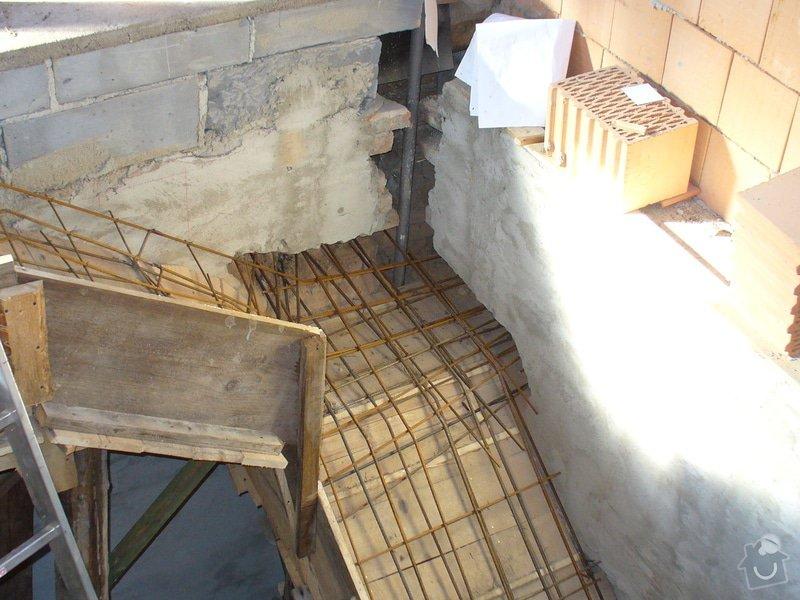 Půdní vestavba ze sádrokartonu, stavba komínu, zhotovení vstupního schodiště - Lány: schodiste_Lany_3
