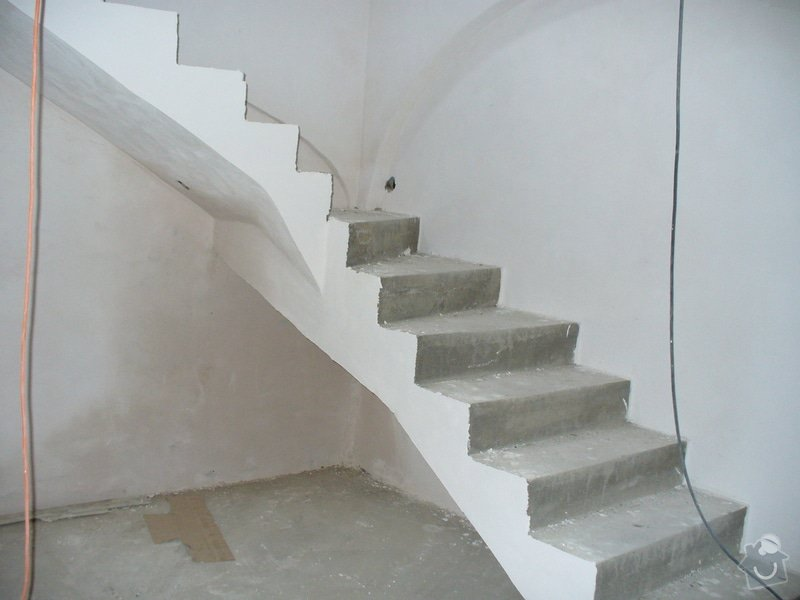 Půdní vestavba ze sádrokartonu, stavba komínu, zhotovení vstupního schodiště - Lány: schodiste_Lany_7