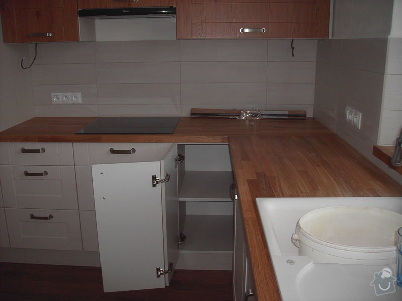Rekonstrukce bytu + kuchyňská linka: PICT2745