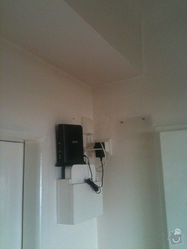 Zhotovení malé dřevěné poličky/skříňky na zeď pro schování modemu a wifi routeru: IMG_1186