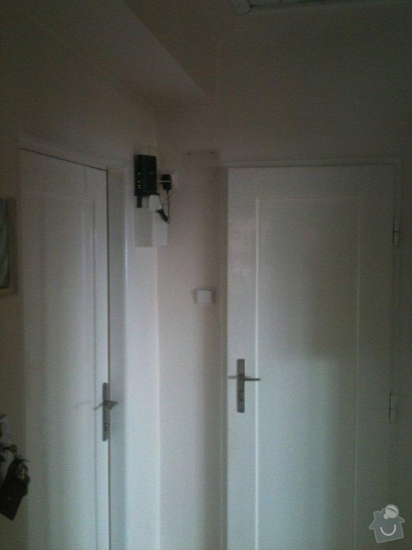 Zhotovení malé dřevěné poličky/skříňky na zeď pro schování modemu a wifi routeru: IMG_1187