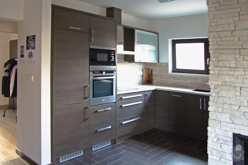 Výroba a montáž kuchyně: 008