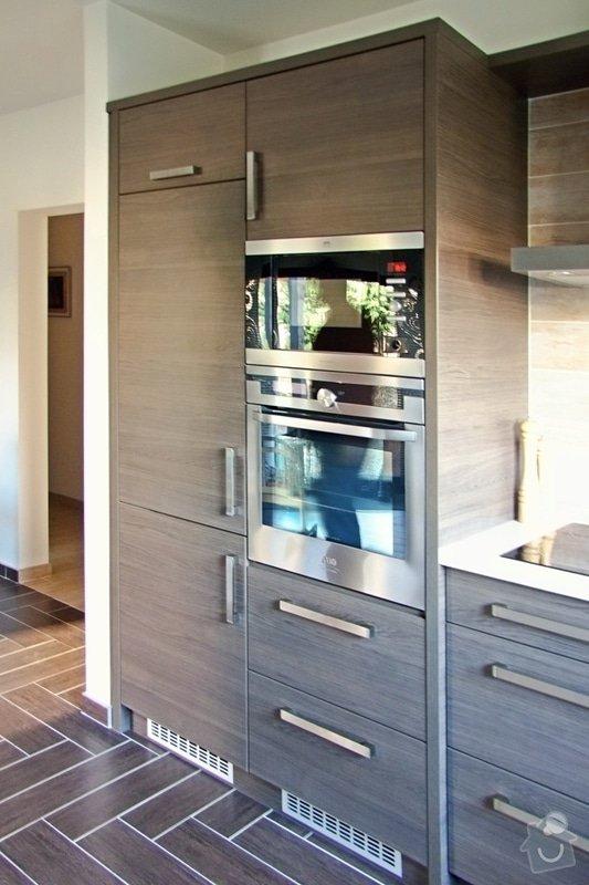 Výroba a montáž kuchyně: 026