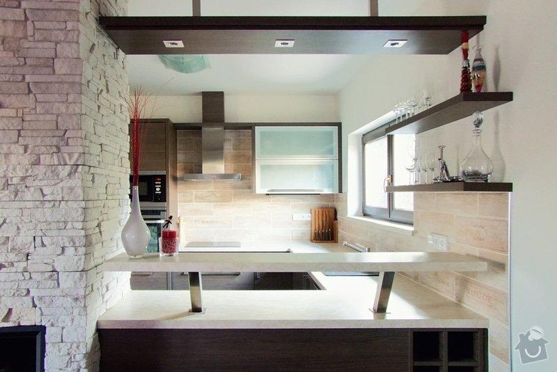 Výroba a montáž kuchyně: 030