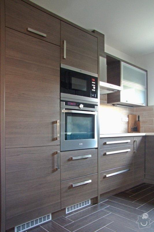 Výroba a montáž kuchyně: 036