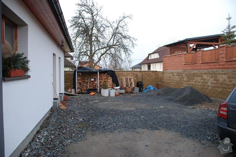 Přístavba přístřešku navazujícího na stávající střechu bungalovu: DSC_4129