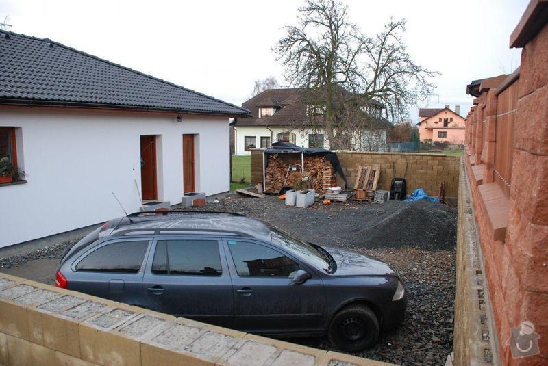 Přístavba přístřešku navazujícího na stávající střechu bungalovu: DSC_4130