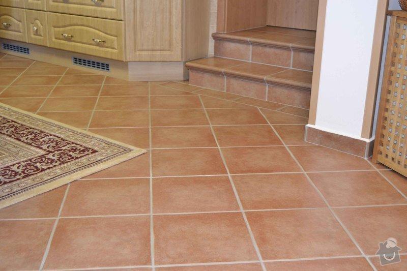 Rekonstrukce koupelny,obklad za kuchyňskou linkou, dlažba v kuchyní, chodbě, obýváku a schodu, drobné zednické práce: 0_4_