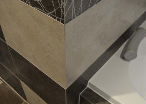 Obložení a dlažba v koupelně, Wc, chodeb, krbu, kuchyně, technické místnosti, garáže