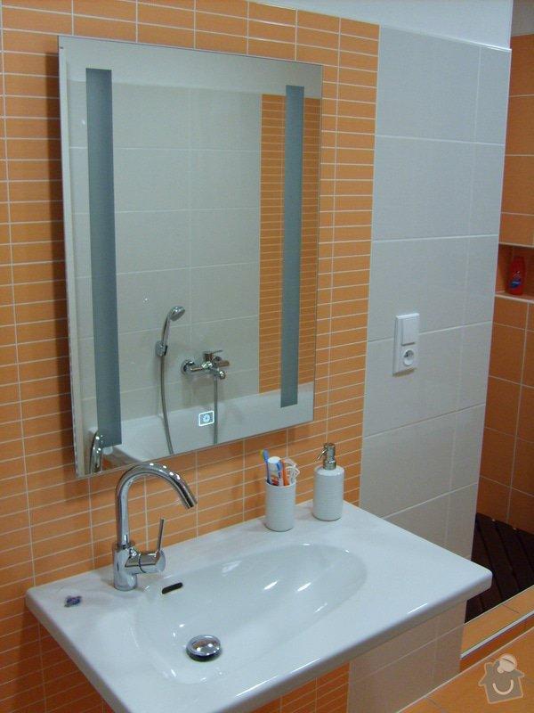 Rekonstrukce koupelny a Wc, obložení soklu domu: Panik_1_
