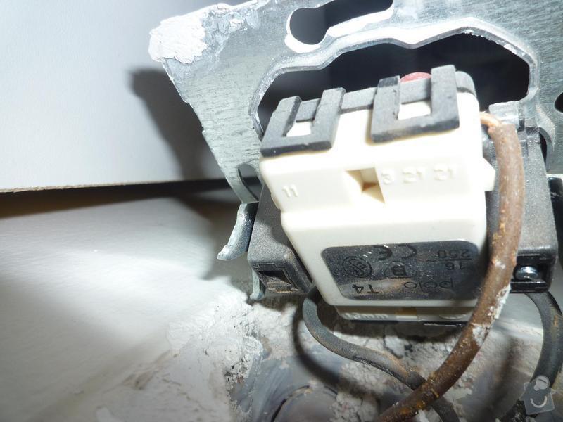Posun vypínače na světlo: P1010578x