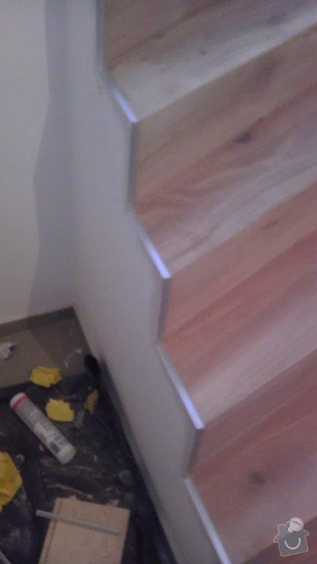 Obklad betonových schodů třívrstvou dřevěnou podlahou,zednické začištění: IMAG0113_kopie_kopie