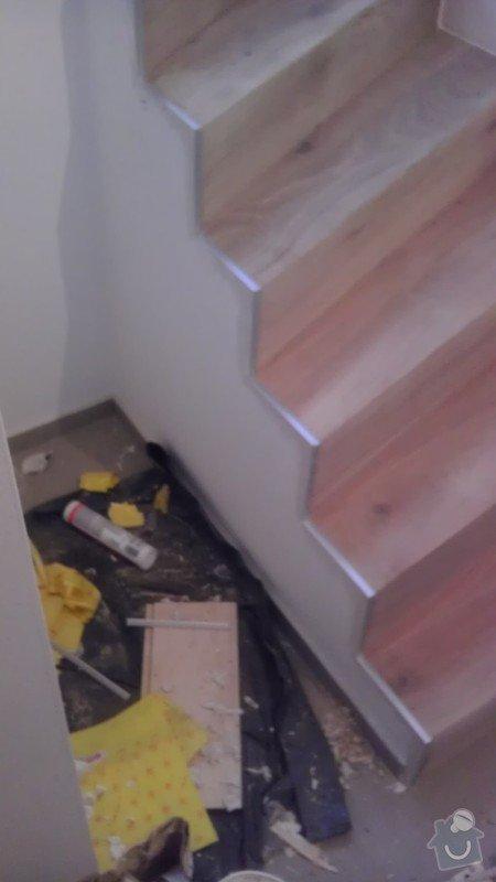 Obklad betonových schodů třívrstvou dřevěnou podlahou,zednické začištění: IMAG0115_kopie