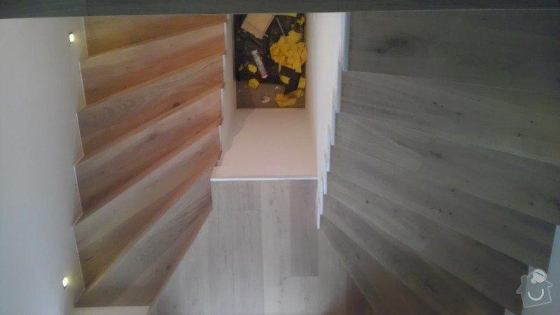 Obklad betonových schodů třívrstvou dřevěnou podlahou,zednické začištění: IMAG0116