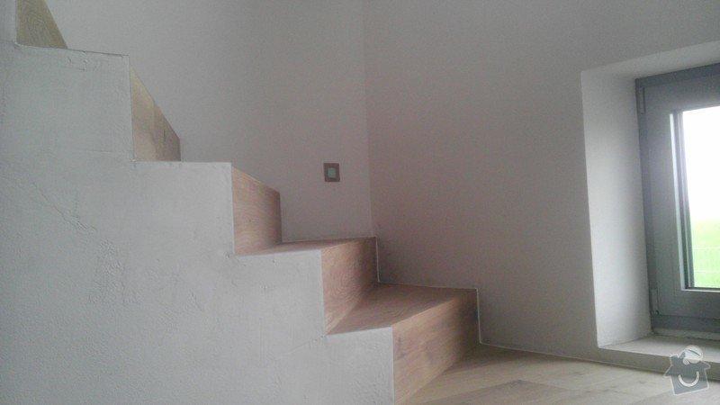 Obklad betonových schodů třívrstvou dřevěnou podlahou,zednické začištění: IMAG0128_kopie