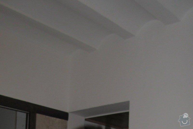 Výmalba bytu 4+1 a natření radiátorů: obloucky_na_strope
