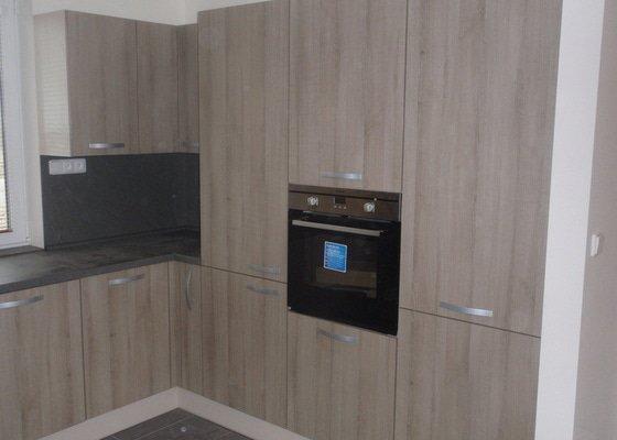 Výroba kuchyňské linky, dodání interiérových dveří