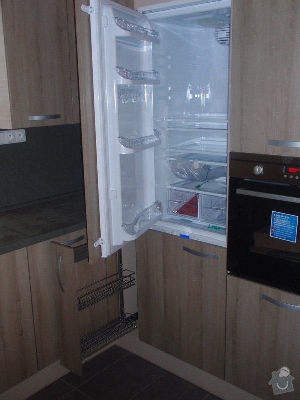 Výroba kuchyňské linky, dodání interiérových dveří: 025