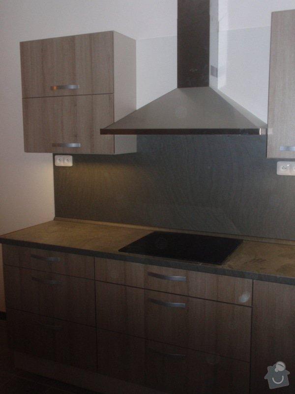 Výroba kuchyňské linky, dodání interiérových dveří: 026