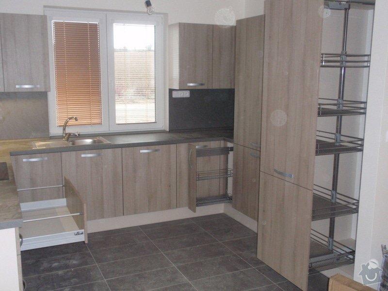 Výroba kuchyňské linky, dodání interiérových dveří: 028